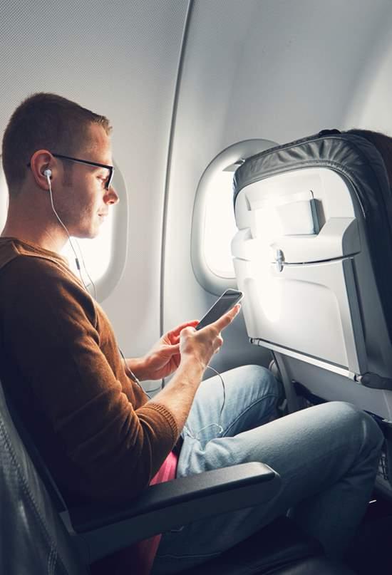 Etiqueta a bordo: ¿reclinar o no reclinar el asiento?