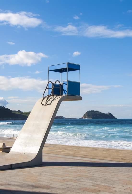 España en veinticinco playas urbanas imprescindibles